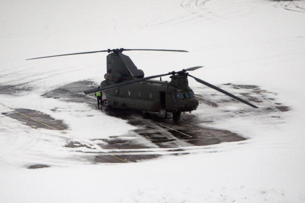 CH-47 Chinook「New Chinook Mk3 Helicopters Arrive At RAF Odiham Before Afghan Deployment」:写真・画像(7)[壁紙.com]