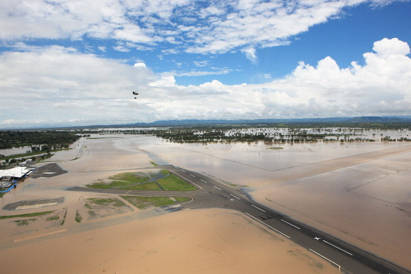 CH-47 Chinook「Queensland Suffers Worst Floods In Fifty Years」:写真・画像(15)[壁紙.com]