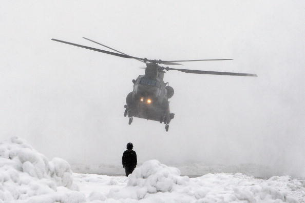 CH-47 Chinook「New Chinook Mk3 Helicopters Arrive At RAF Odiham Before Afghan Deployment」:写真・画像(5)[壁紙.com]