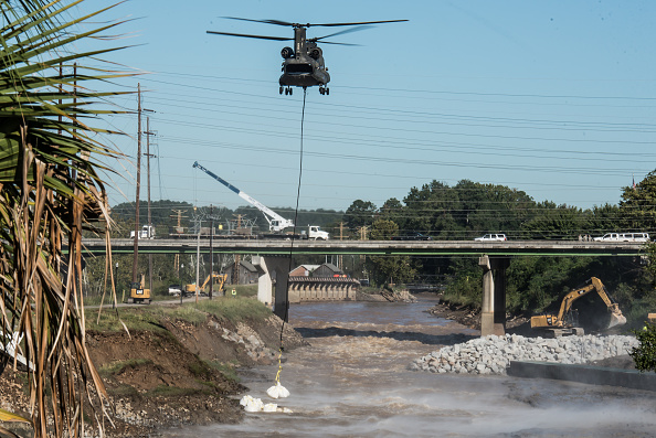 CH-47 Chinook「South Carolina Hit By Historic Rain And Flooding」:写真・画像(15)[壁紙.com]