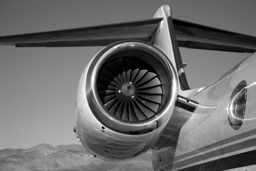 Airplane Tail「Jet Engine in Black and White」:スマホ壁紙(14)