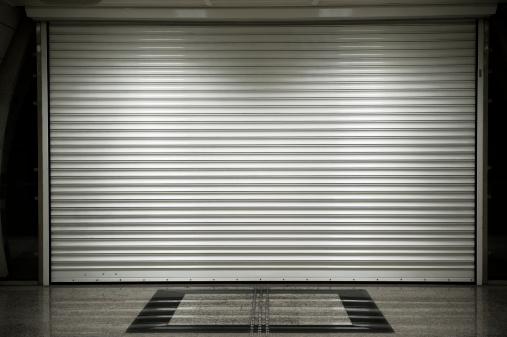 Closed「Shop shutters」:スマホ壁紙(16)