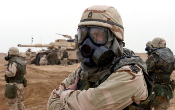 Chemical「U.S. Troops Train Near Iraqi Border」:写真・画像(19)[壁紙.com]