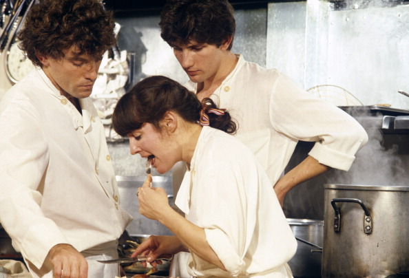 Chef「Waters & Staff In Chez Panisse Kitchen」:写真・画像(16)[壁紙.com]