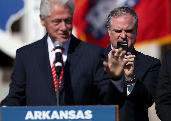 Wireless Technology「Democratic Senator For Arkansas Mark Pryor Campaigns For Re-Election」:写真・画像(14)[壁紙.com]