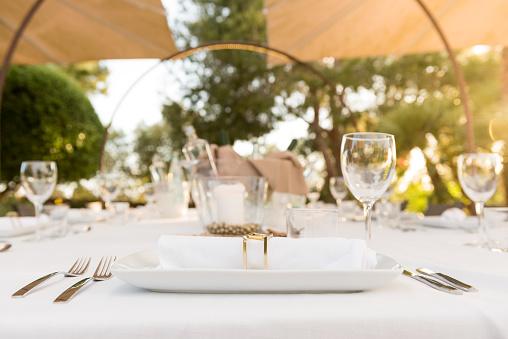 Place Setting「Elegant table for dinning at sunset」:スマホ壁紙(1)