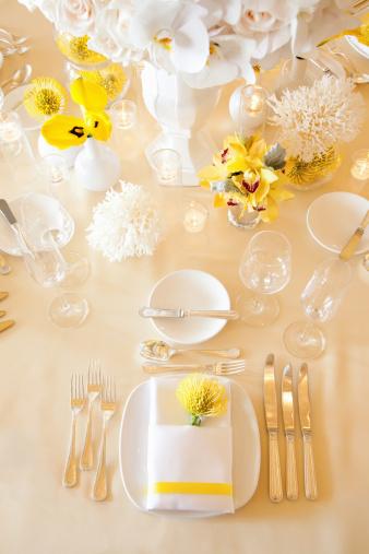 Place Setting「Elegant Table Setting, Floral Arrangements, Coral」:スマホ壁紙(13)