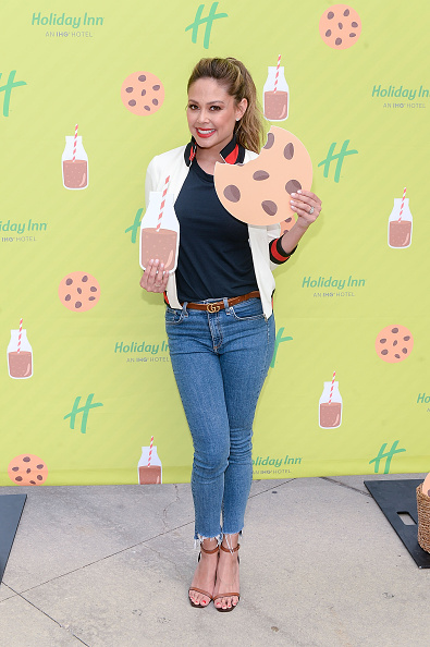 Milk Chocolate「Holiday Inn And Vanessa Lachey Bring Oversized Hotel Room To Millennium Park For Chocolate Milk Happy Hour With Complementary Fairlife Chocolate Milk And Otis Spunkmeyer Cookies」:写真・画像(1)[壁紙.com]