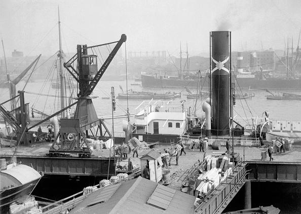 Steamboat「Butlers Wharf」:写真・画像(3)[壁紙.com]