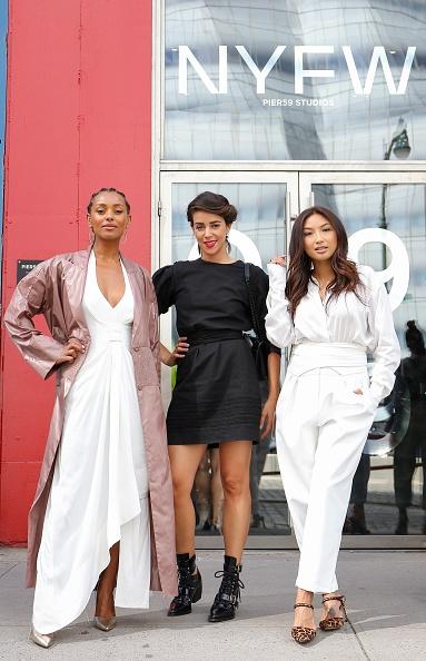 Transparent「Street Style - New York Fashion Week September 2019 - Day 3」:写真・画像(7)[壁紙.com]