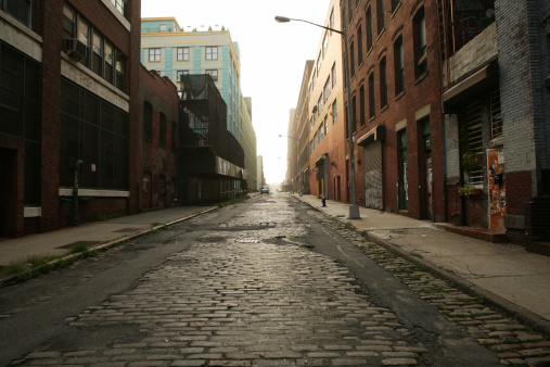 Absence「Deserted Brooklyn DUMBO Cobblestone Backstreet Morning」:スマホ壁紙(1)