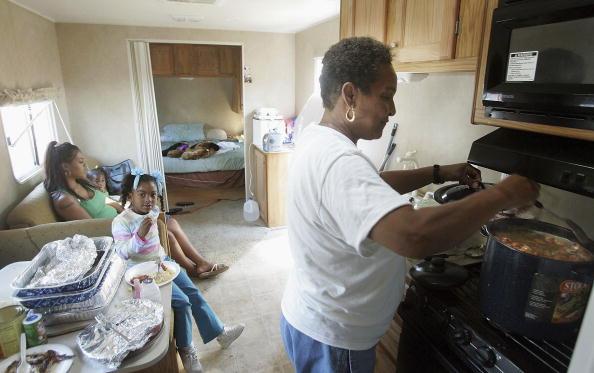 Gumbo「Remaining New Orleans Residents Celebrate Thanksgiving」:写真・画像(17)[壁紙.com]
