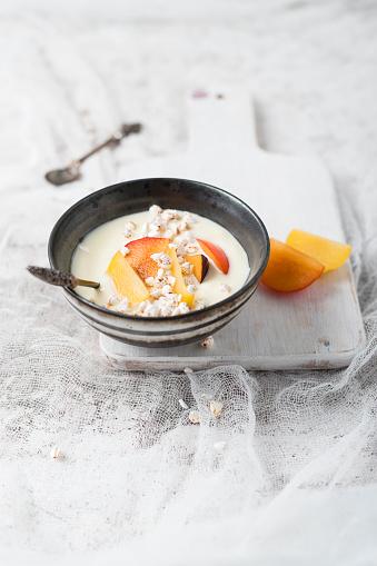 スモモ「Yogurt with plums and puffed whole meal buckwheat」:スマホ壁紙(18)