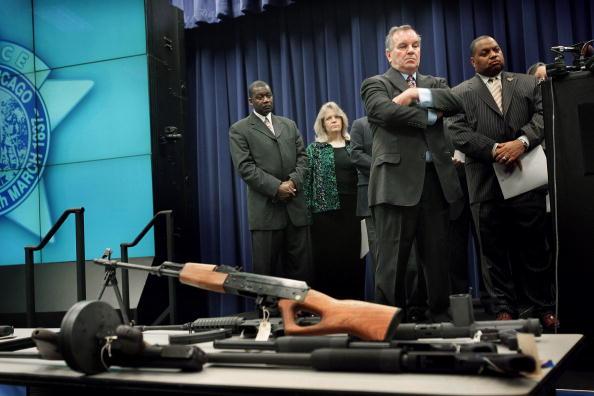 Legislation「Mayor Daley Holds Press Conference On Gun Legistlation」:写真・画像(4)[壁紙.com]