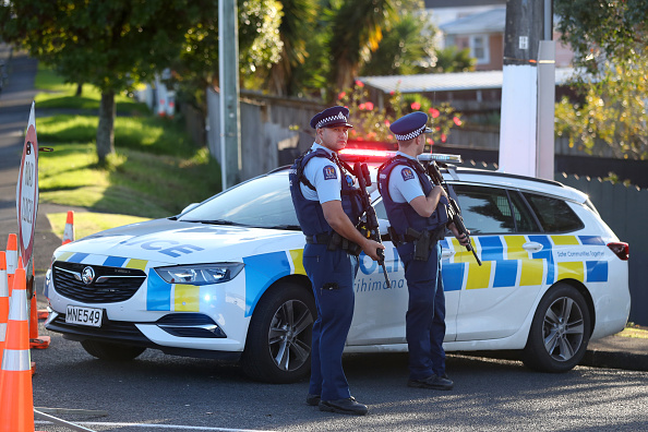 Auckland「Hunt For Auckland Gunman Continues Following Deadly Shooting Of Police Officers」:写真・画像(9)[壁紙.com]