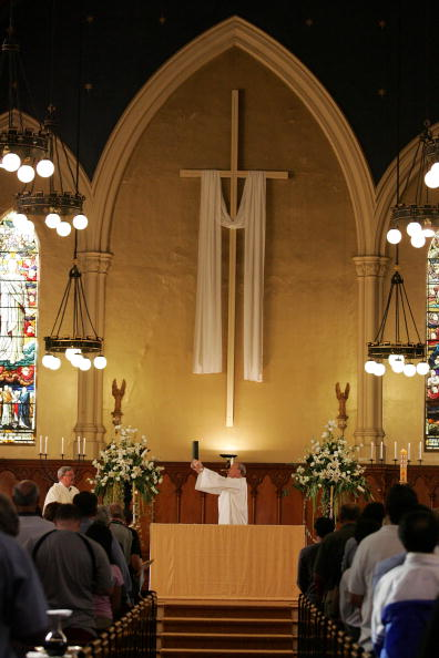Religious Mass「New Zealand Catholics attend a Mass held at St Pat」:写真・画像(7)[壁紙.com]