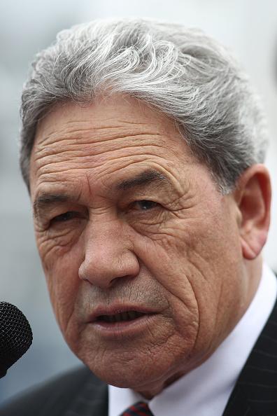 カメラ目線「Winston Peters Attends Rally To Save Auckland Waterfront」:写真・画像(11)[壁紙.com]