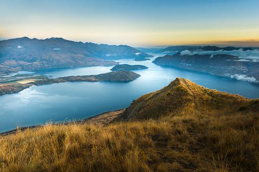 Coastal Feature「New Zealand, South Island, Wanaka, Otago, Coromandel peak at sunrise」:スマホ壁紙(11)