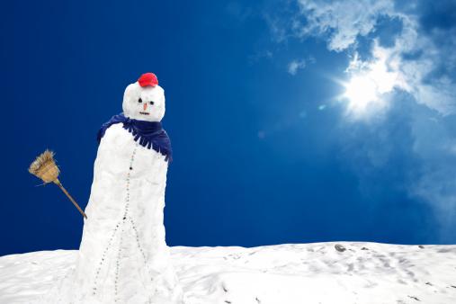 Ice Sculpture「snowman under sun」:スマホ壁紙(1)