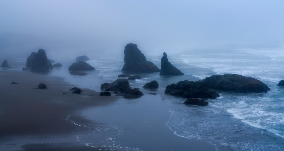 Pacific Ocean「Stormy Evening at Bandon Beach」:スマホ壁紙(1)