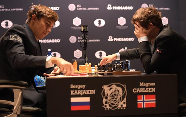 セルゲイ・カヤキン「2016 World Chess Championship - November 12」:写真・画像(2)[壁紙.com]