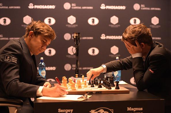 セルゲイ・カヤキン「2016 World Chess Championship - November 12」:写真・画像(13)[壁紙.com]