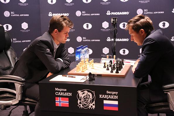 セルゲイ・カヤキン「2016 World Chess Championship - November 11」:写真・画像(17)[壁紙.com]