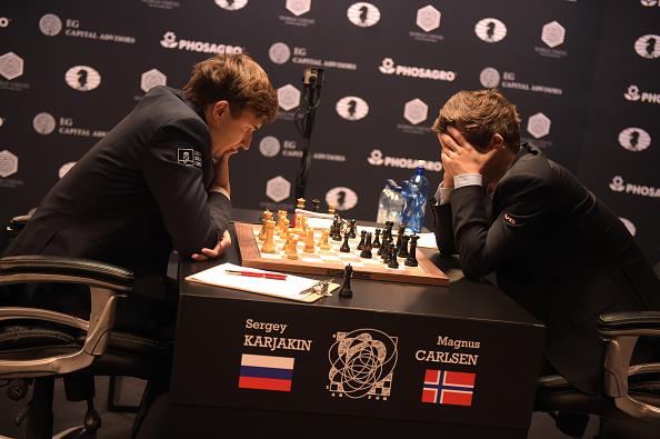 セルゲイ・カヤキン「2016 World Chess Championship - November 12」:写真・画像(8)[壁紙.com]