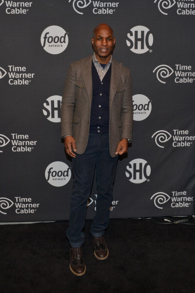 Bernard Hopkins「Time Warner Cable Studios Presents SHOWTIME And Food Network's Ultimate Tailgate Experience」:写真・画像(2)[壁紙.com]