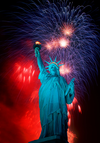 Fourth of July「Statue of Liberty and Fireworks composit.」:スマホ壁紙(18)