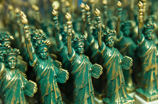 Gift Shop「Statue of Liberty souvenir, New York City, New York, USA, North America」:スマホ壁紙(16)
