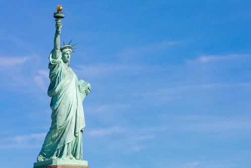 炎「Statue of Liberty, Liberty Island National Monument, Upper New York Bay, New York City, USA」:スマホ壁紙(10)