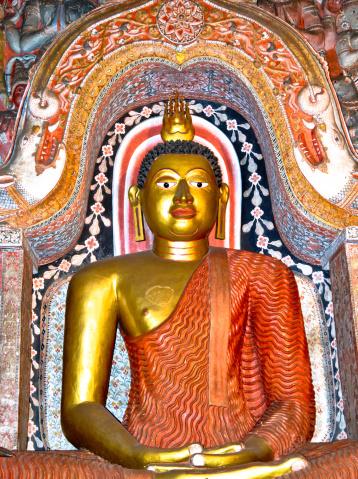 Sri Lanka「Statue of Lord Buddha at Lankatilaka Temple」:スマホ壁紙(10)