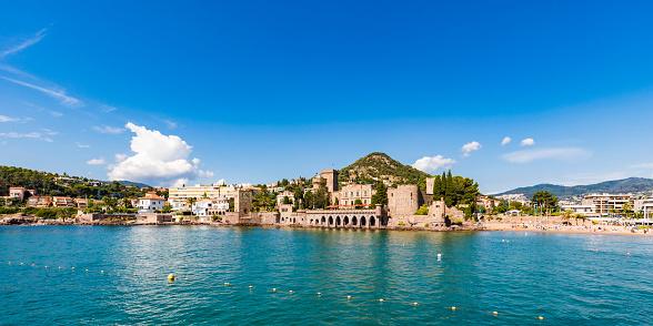 Mediterranean Sea「France, Provence-Alpes-Cote d'Azur, Mandelieu-la-Napoule」:スマホ壁紙(3)