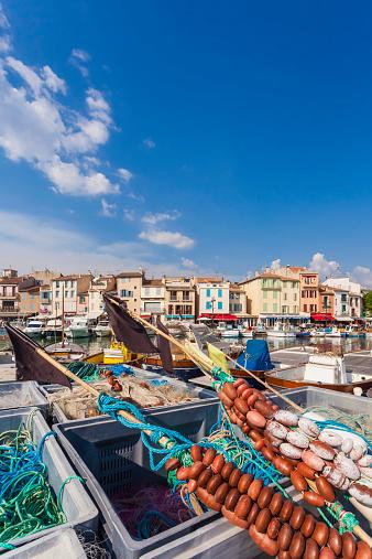 カシス「France, Provence-Alpes-Cote dAzur, Bouches-du-Rhone, Cassis, Fishing nets at harbour」:スマホ壁紙(10)