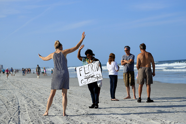 Jacksonville Beach「Jacksonville, Florida Re-Opens Beaches After Decrease In COVID-19 Cases」:写真・画像(7)[壁紙.com]