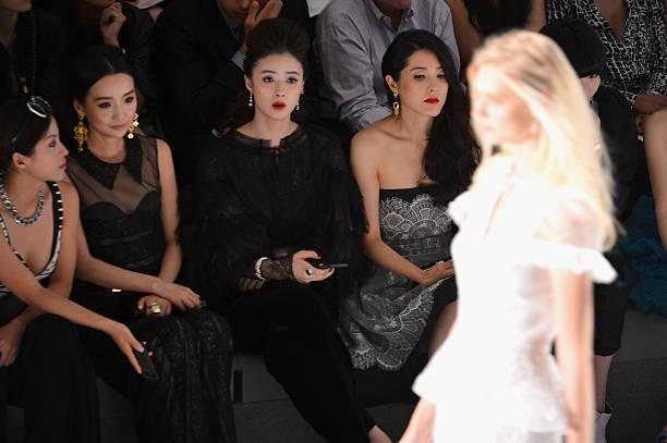 Tadashi Shoji - Front Row - Mercedes-Benz Fashion Week Spring 2014:ニュース(壁紙.com)