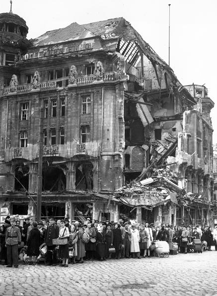 Fred Ramage「Ruined City」:写真・画像(3)[壁紙.com]