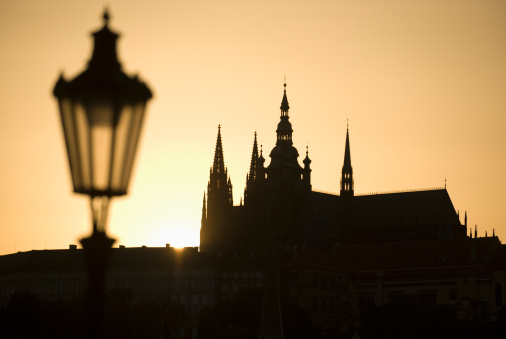 St Vitus's Cathedral「Sunset over silhouetted cathedral」:スマホ壁紙(6)