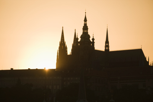 St Vitus's Cathedral「Sunset over silhouetted cathedral」:スマホ壁紙(10)