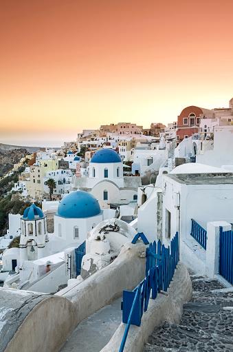 Aegean Sea「Sunset over Oia village in Santorini island of Greece」:スマホ壁紙(14)