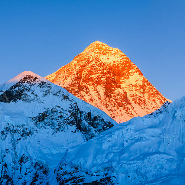Sunset over the top of world - Mount Everest mountain:スマホ壁紙(壁紙.com)