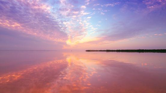 Nouvelle-Aquitaine「Sunset over sea, Andernos-les-bains, Gironde, France」:スマホ壁紙(2)