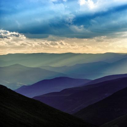 Lesotho「Sunset over Lesotho mountains」:スマホ壁紙(16)