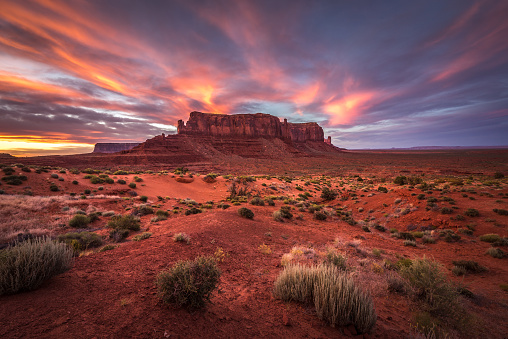 Southwest USA「Sunset over Sentinel Mesa, Monument Valley, Arizona, America, USA」:スマホ壁紙(17)