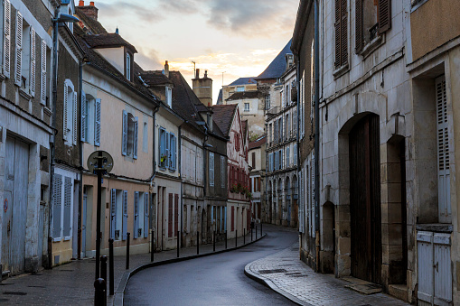 Village「Sunset over Narrow Street in French Village」:スマホ壁紙(12)