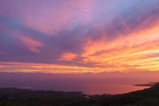 ピンク色「Sunset over Kealakekua Bay Hawaii」:スマホ壁紙(8)