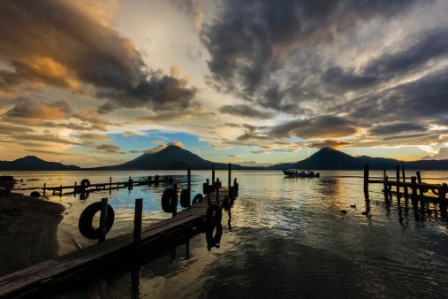 Lake Atitlan「Sunset over Lake Atitlan」:スマホ壁紙(16)