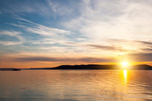 Sunbeam「Sunset over water」:スマホ壁紙(12)