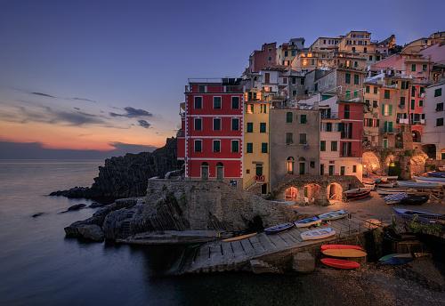 Fishing Village「Sunset over Riomaggiore, Cinque Terre, Italy.」:スマホ壁紙(10)